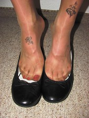 new Tamaris leather ballet flats and nylons - close up pics (Isabelle.Sandrine1998) Tags: ballet feet stockings tattoo shoes pumps legs flats dangling nylons sabrinas ballerinas shoeplay jeansminiskirt