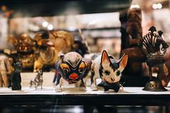 QF4C7726 (leslilundgren) Tags: dog museum cat pittriversmuseum catandmouse