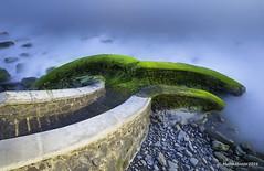 (ManuMatas) Tags: musgo verde azul paz canto roca ocre rodado tranquilidad sosiego cantabirco