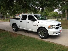 Step Dads new truck (Smalltowntx87) Tags: new cars outdoors photography texas 5 wheels pickup dodge trucks hemi ram rims brand horsepower iphone