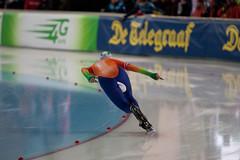 2B5P4595 (rieshug 1) Tags: worldcup dames schaatsen speedskating 1000m a eisschnelllauf gundaniemannstirnemannhalle thuringereissportverband essentisuworldcup2013 weltcupladiesandmenalldistances