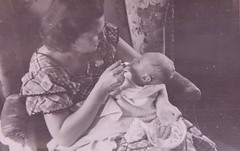 Mom feeds me, 1949 (lreed76) Tags: baby reed busy leon 1950s