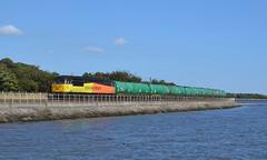 56105 6N72 Linkswood - Grangemouth 04-09-2013 (alasdair37114) Tags: oil tanks culross class56 56105 colasrail 6n72