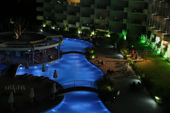 Friday night by the pool - Canon EOS 5D Mark III / Tamron SP 24-70mm f/2.8 Di VC USD (Beek2012) Tags: pool night canon eos lowlight nightshot greece rhodes rhodos canoneos5dmarkiii tamronsp2470mmf28divcusd atriumplatinumluxuryresorthotelspa