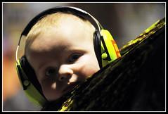 (regardansleviseur) Tags: portrait macro fleur festival jump concert eau live femme roots lac jour reflet micro instrument reggae chateau nuit groupe bb homme musique irlande drapeau ecosse violon zuchero