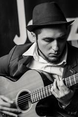 Mario Pousada en MostoJazz'13. (jcof) Tags: portrait bw blancoynegro retrato guitarra huelva jazz bn sombrero msica gibralen mostojazz laminibigbandcallejera mariopousada