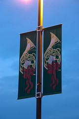 christmas red green sign gold nc nikon december decoration northcarolina pole lightpole chathamcounty bugel d40 2013