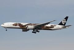 ZK-OKO (G-650) Tags: california newzealand usa losangeles airport aviation transport flight lordoftherings boeing lax hobbit airnewzealand klax 777300er zkoko