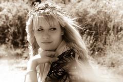 Julia (smART.photography) Tags: life flowers friends woman sun smile face hat happy lights spring model nikon gesicht warm julia outdoor natur blumen mai hut shooting sonne visage lightroom happ flieder naturpur nikond750
