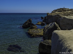 junto al acantilado (joluardi) Tags: espaa cliff andaluca spain cliffs es almera cabodegata acantilado acantilados njar