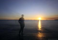shadowing sunset (yusron@motret) Tags: nt darwin mindilbeach canoneos6d yusronmotret