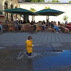 München nach dem Wolkenbruch: Tambosi am Hofgarten