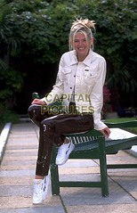 Zoë Ball in vinyl pants (Vinyl Beauties) Tags: zoe ball pvc vinyl plastic pants fashion trousers tv presenter pvcpants pvctrousers vinylpants vinyltrousers plasticpants plastictrousers pantalonesdevinilo pantalonesdeplástico calçadevinil calçadeplástico moda mode vinil plástico vinilo vinyle plastique plastik vinile plastica pvcclothing vinylclothing plasticclothing roupadevinil roupadeplástico ropadevinilo ropadeplástico vêtementenvinyle vêtementenplastique abbigliamentoinvinile abbigliamentoinplastica plastikkleidung pvckleidung clothing roupa ropa abbigliamento vêtement kleidung jeans pantalones pantalon pantaloni hose lackhose plastikhose pantaloniinvinile pantalonenvinyle pantaloniinplastica pantalonenplastique 1990s