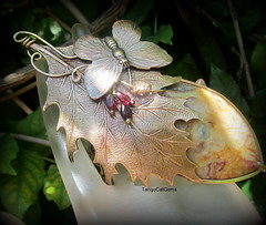 Crazy Lace Agate with Garnets (tangocatgems1) Tags: agate leaves butterfly necklace crazy hand lace made brass garnet brassleaves tangocatgemscom