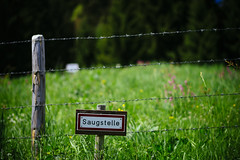 Saugstelle (donlunzo16) Tags: 2 color colour green film pool grass sign lens hotel wire nikon df raw nef bokeh x pole pack filter saturation nd nikkor 58mm vignette afs f114 vsco d