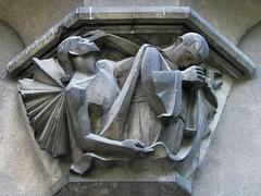 Bernardyska 3 (bazylek100) Tags: sculpture house architecture angel dom poland polska monk krakw cracow rzeba architektura kamienica