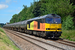 60056 6E32 Bamber Bridge (British Rail 1980s and 1990s) Tags: train br diesel rail railway loco brush lancashire locomotive freight 60 britishrail lancs livery lmr colas class60 railfreight prestondocks 60056 londonmidlandregion type5 6e32