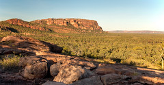 Nourlangie Rock (Andrea Schaffer) Tags: winter sunset june australia australien northernterritory australie kakadunationalpark topend 2016 dryseason   nourlangierock canonefs1755mmf28isusm canon70d nawurdlandjalookout