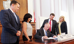 06-09-2016 SB 363, Unborn Child Protection from Dismemberment Act, signed by Governor Bentley