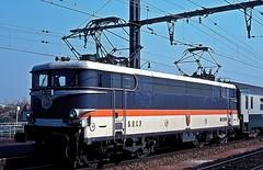 BB-9280  Les Aubrais  16.04.82 (w. + h. brutzer) Tags: france analog train nikon frankreich eisenbahn railway zug trains locomotive bb sncf lokomotive elok eisenbahnen lesaubrais eloks webru