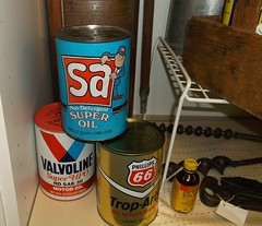 1978 Oil Cans (STUDIOZ7) Tags: superamerica phillips66 valvoline oil gas service station cans petroleum minnesota mn 1970s seventies 70s petroliana convenience store ashland