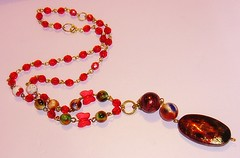 Rojo Burdeo (Gabriela Andrea Silva Hormazabal) Tags: colar collares necklace necklaces red rojo bijouteri jewel jewelry accesorios moda fashion burdeo burgundy oval