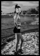 Kim G (01_0019TBW) (ronnie.savoie (off a lot until July)) Tags: africanamerican black noir negra woman mujer chica muchacha girl pretty guapa lovely hermosa browneyes ojosnegros brownskin pielcanela portrait retrato model modelo modle smile sonrisa sandybay roatan roatn honduras hondurea catracha bayislands islasdelabaha diaspora africandiaspora