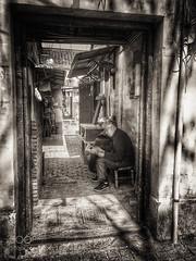 Suzhou Impression 蘇州印象 II (ElginCon) Tags: china street old travel bw 6 white man black monochrome alley suzhou shot chinese elder 苏州 impression bnw province jiangsu iphone 蘇州 soochow 街拍 江蘇 印象 江苏 500px iphoneography ifttt