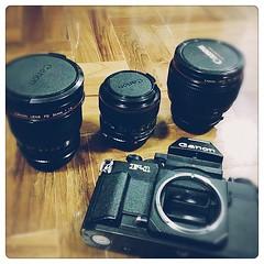 หาจนเจอ #canon #85mm #1.2 #fd #f1n #film #camera สภาพใสกิ๊ก 95% ขอบคุณเจ้าของเก่าที่เก็บรักษามาอย่างดี ราคาแพงกว่าตลาดนิดหน่อยแต่สภาพแบบนี้ถือว่าได้ของดีราคาถูกครับ เดี๋ยวฟิล์มล้างเสร็จจะเอามาแชร์กันครับ