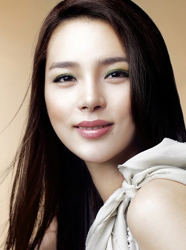 PARK SI YEON KOREAN ACTRESS