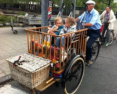 Opa's crib-fiets in Amsterdam (@WorkCycles) Tags: amsterdam kids children child antique tricycle kinderen cargo grandpa crib oldtimer trike bakfiets antiek workcycles