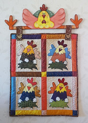 Panô Galinhas (Bia e Deise - Quilting Beagles) Tags: country patch patchwork pintura galinhas aplique