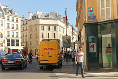 Paris 8me - Paris (France) (Meteorry) Tags: street summer man paris france art sunglasses facade europe circus candid taxi spaceinvader spaceinvaders mario september zebra videogame invader lichen crosswalk audi t rue invasion monsieur fhish homme dhl pierrecardin supermario artderue 75008 meteorry 2013 fhishy ledefrance pa1000plus fhishyfhish