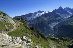 Chamonix-Mont-Blanc, sentier de randonne du lac Blanc (Ytierny) Tags: france horizontal tour altitude glacier neige chamonix sentier montblanc chemin alpinisme lacblanc randonne hautesavoie sommet aiguille randonneur argentire et chardonnet nv hautemontagne valledechamonix massifalpin alpesdunord ytierny