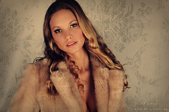 Furr (Reografie) Tags: lady vintage hair fur ellen background makeup curls nep bont bontjas naturel visagie nibbie reografie