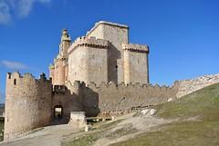 Turégano (javier_hdez) Tags: segovia plazamayor turismo castillo viajar castillayleón viajaes iglesiadesantiago turégano