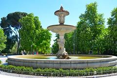 A wonderful day in the park. (Varvara P.) Tags: madrid park travel espaa nature beauty spain explore es parquedelretiro