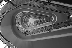 Endless Time Tunnel to Light (*Capture the Moment*) Tags: light sun monochrome architecture stairs licht interior innenarchitektur hamburg staircase architektur schwarzweiss sonne interiordesign wetter treppen treppenhaus steigenbergerhotel 1018mm huserwohnungen 2016sonynex7