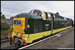 No D9002 The kings's Own Yorkshire Light Infantry 19th May 2016 SVR Diesel Gala (Ian Sharman 1963) Tags: light heritage station infantry train town diesel no yorkshire may engine rail railway loco trains class line severn valley locomotive passenger 55 railways gala own 19th the svr kidderminster bridgnorth 2016 deltic bewdley kingss 55002 d9002