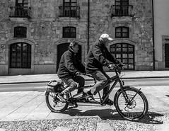 2 x SalaBiKERs (Walimai.photo) Tags: bike bici bicicleta tandem biker ciclista black white blanco negro byn bw branco preto salamanca lumix lx5 panasonic spain espaa street calle robado portrait retrato