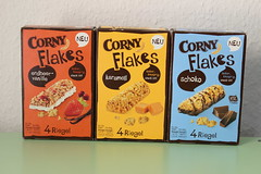 Corny Flakes (Like_the_Grand_Canyon) Tags: bars granola msli riegel
