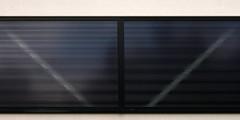 Darer Strae - Fenster (tom-schulz) Tags: fenster symmetrie ef8518 rawtherapee eosm3