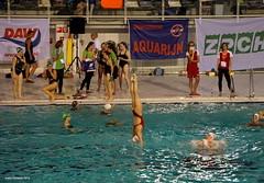 Margot de Graaf coming down after her team mates lifted her (synchro lift) (Ineke Klaassen) Tags: water netherlands sport swimming swim training team lift nederland thenetherlands ned nationals nk synchro synchronizedswimming nationalchampionships synchronschwimmen synchronisedswimming sincro nuotosincronizzato sincronizzato natacinsincronizada natationsynchronise dedolfijn knzb synchroonzwemmen inzwemmen natacisincronitzada margotdegraaf opduw nkvrijecombinatie nkcombo