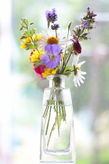 Flowers from the garden (Benn Gunn Baker) Tags: flowers colour glass canon garden bristol day baker bokeh gift vase fathers benn gunn bethan atia 550d t2i