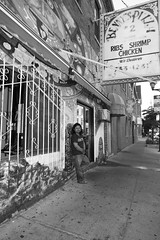 Along 18th Street - Chicago - 25 June 2016 - 028 (Andre's Street Photography) Tags: street city people urban chicago blancoynegro canon noiretblanc zwartwit streetphotography pilsen 18thstreet eod bwphotography blackandwhte straat straatfotografie bennyspizza 5ds zwartwitfotografie along18thstreetchicago25june2016