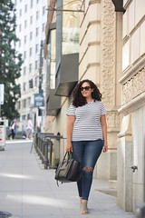 Casual in Seattle (GirlWithCurves) Tags: seattle curlyhair wedges plussizefashion wedgesandals casualstyle stripetee girlwithcurves taneshaawasthi