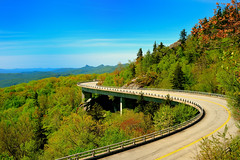 Linn Cove Viaduct (Saravanansuri) Tags: nikond800 50mm blueridgeparkway blueridge parkway linncoveviaduct spring green bridges bridge nature smokies smokymountainnationalpark nationalpark sun road northcarolina
