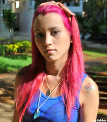 teen (Lulu@) Tags: pink portrait girl face look rose tattoo hair olhar retrato adolescente cara rosa attitude teen tatoo menina adolescent cabelo pelo visage teenage tatuagem tatouage cheveux rebelde actitud muchacha rebellious atitude rebelle facegirl tatuajefille