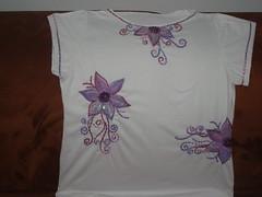 Bordado com paets. (Casa de Bonecas Atelier) Tags: embroidery bordado paets pedrarias