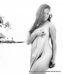 Sirenas en Moorea (Ancestral Photo Art) Tags: chile travel vacation woman blancoynegro beach nude beautifulgirl rapanui isladepascua sirenas sesiónfotográfica womanbeauty sesionesfotográficasenisladepascua